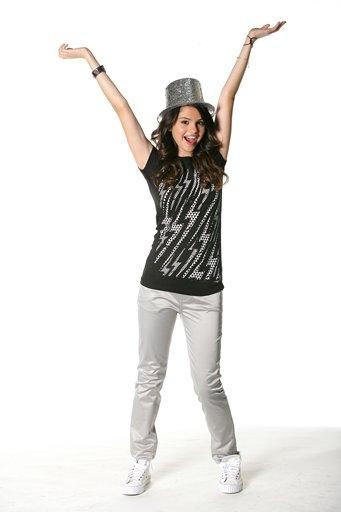 selena gomez photoshoot 2008. Selena Gomez#39;s photoshoot