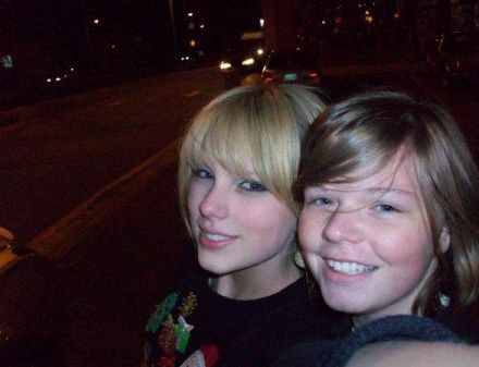 Nicole sent in this most recent picture of Taylor Swift with straight bangs