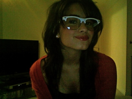demi-lovato-glasses