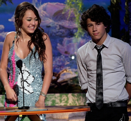 Are Nick Jonas and Miley Cyrus dating