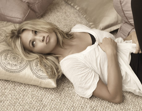 "Carrie Underwood To Kick Off ""Play On Tour"" Tour 2010"